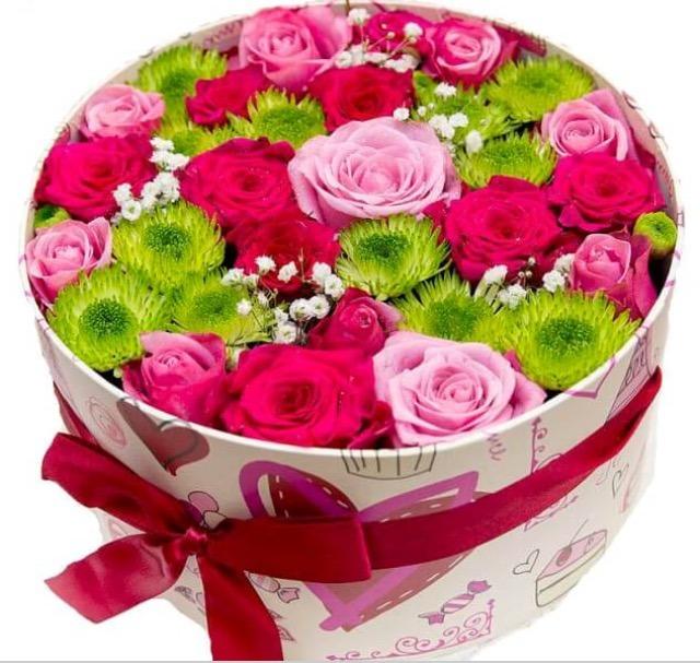 Живые цветы в шляпной коробке своими руками